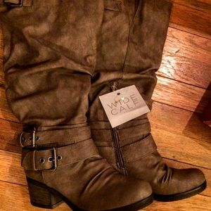 Ladies Tall wide calf boots Carlos Santana taupe